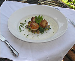 Seared scallops at Sel de la Terre