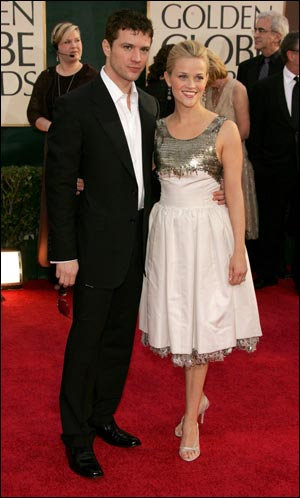 2006 Golden Globes: The Red Carpet. Nominee Reese Witherspoon