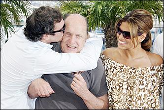 Joaquin Phoenix, Robert Duval, and Eva Mendes