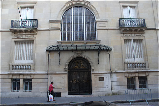 In spring 1968, Romney moved to the French mission headquarters, a grand building in the tony 16th arrondissement of Paris. The building is now the embassy of the United Arab Emirates.