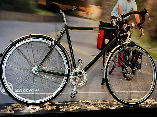 Raleigh One Way single speed commuter bicycle