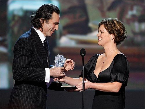 Marcia Gay Harden and Daniel Day-Lewis