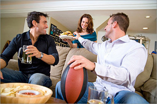 Looking to host a great Super Bowl party ? Make sure you cover all your bases with this top 10 checklist of big game essentials. --Glenn Yoder, Boston.com Staff