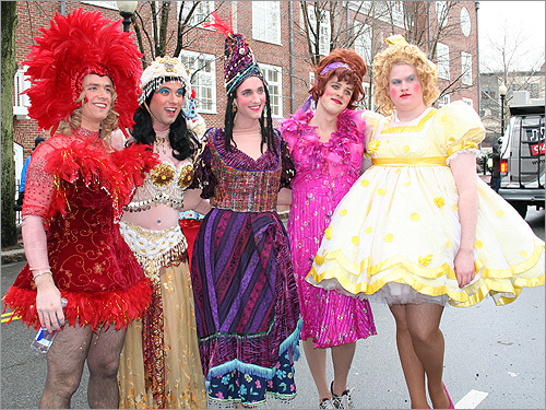 Hasty Pudding Theatricals parade