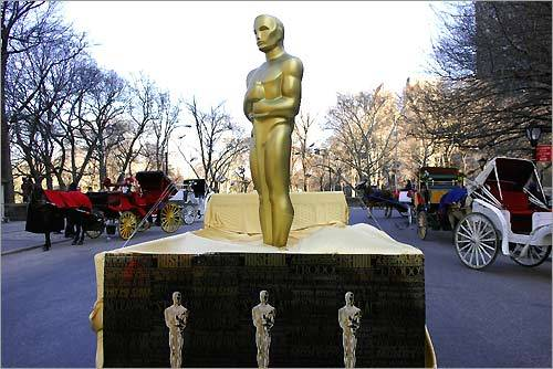 Oscar statues traveling