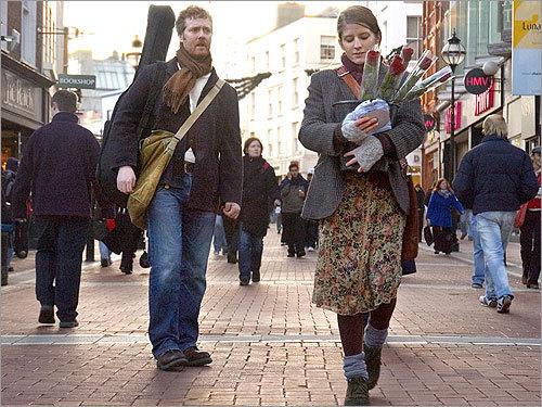 Glen Hansard and Marketa Irglova in 'Once'