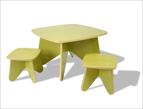 Project table and stools by Eco-Tots