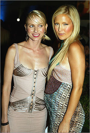 kate hudson style. Kate Hudson (right) and Naomi