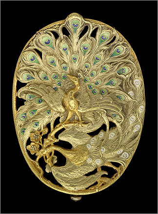 Belt buckle with two peacocks , about 1900. For Georges Fouquet (French, 1862&#150;1957). Gold and enamel.