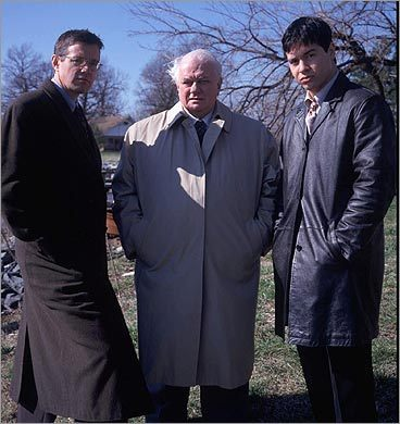 Kyle Secor, Charles Durning, and Jon Seda on 'Homicide: Life on the Street'