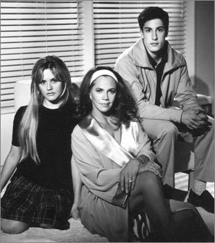 Alicia Silverstone, Kathleen Turner, and Jason Biggs