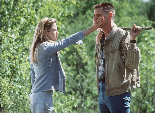 Renee Zellweger and Jim Carrey in 'Me, Myself & Irene'