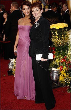 Alicia Keys with her mother Terri Augello