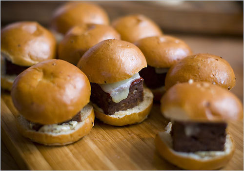 Will Gilson offers meatloaf sliders. The chef of Garden at the Cellar gets together with other Boston chefs to cook for one another. On this particular Sunday night, the group gathered at Dante de Magistris's kitchen. All evening, the door to his North End condo opens and more chefs come bearing food.