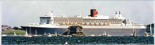 Queen Mary 2 Dwarfed Clingstone As It Sailed By Years Ago The Photo