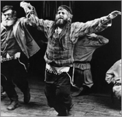 Topol, star of the 1971 film 'Fiddler on the Roof,' returns as Tevye this fall.