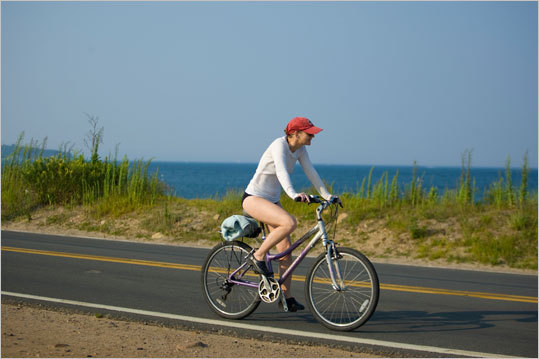 Westport Minuteman 10K, Conn. Ride along the coast and through some of Westport's finest parks. This bike friendly path will give you a bit of everything, whether you are looking to bike through residential or coastal areas. Duration: Half day Cost: Free Map