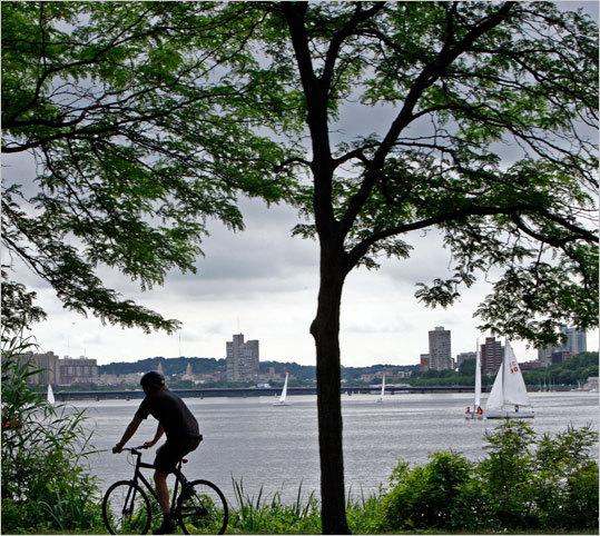 Charles River Bike Paths Enjoy the sights on this bike path through areas like, Watertown, Cambridge, the Museum of Science and see plenty of scenic views on this 14-mile loop. Cost: Free Duration: Half day Map