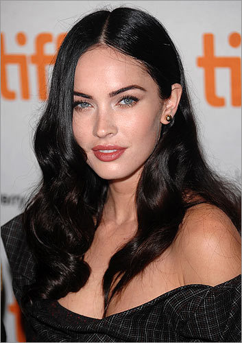 > 3 Megan Fox <!-- // define variables var date = new Date(); var current_time = date.getTime(); // write SCRIPT tag to browser document.writeln(' '); // -->