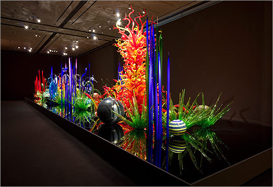 'Chihuly: Through the Looking Glass.'