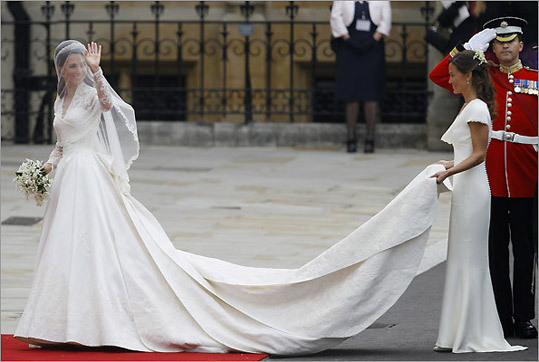 Middleton and her sister, Pippa, at Westminster Abbey.
