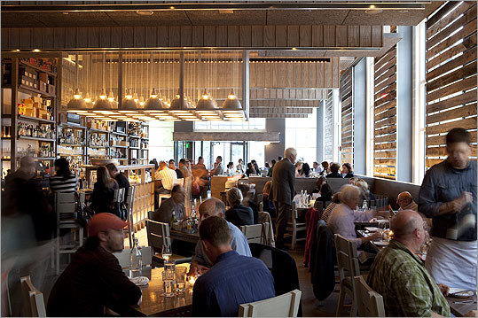 ISLAND CREEK OYSTER BAR For a city by the sea, Boston doesn't have a wealth of great seafood restaurants. When Island Creek Oysters, the Duxbury company belo