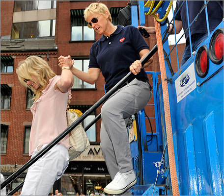DeGeneres and de Rossi disembarked from the duck boat at Quincy Market.