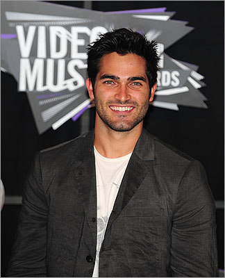 'Teen Wolf' actor Tyler Hoechlin looked stylish in laid-back attire. More photos: Onstage highlights
