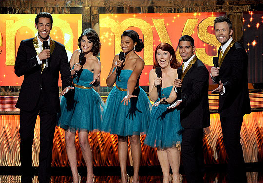 A star-studded singing group, made up of actors Zachary Levi, Cobie Smulders, Taraji P. Henson, Kate Flannery, Wilmer Valderrama, and Joel McHale, performed throughout the show.