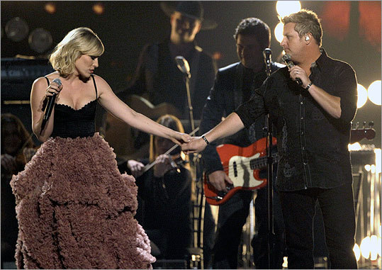 Natasha Bedingfield (left) sang with Rascal Flatts member Gary LeVox on 'Easy.'
