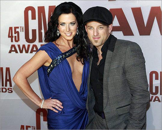 Country music duo Thompson Square, Keifer Thomson and his wife Shawna, are a new artist of the year nominee.