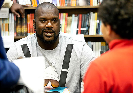 Shaq at Harvard Book Store