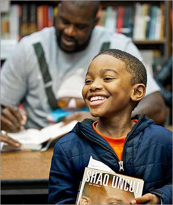 Shaq at Harvard Book Store