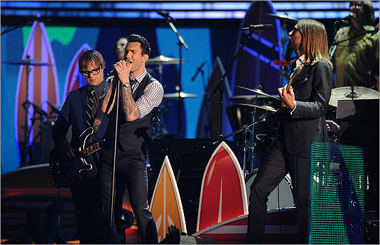 Maroon 5 paid tribute to the Beach Boys with a rendition of 'Little Surfer Girl.'