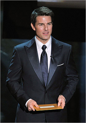 Tom Cruise presented the award for best picture.