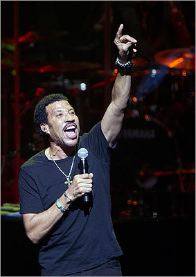 Lionel Richie performed some of the greatest hits of The Commodores and his solo career to 45,000 fans at the Moody Theater on March 14.