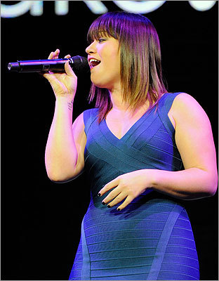KELLY CLARKSON & THE FRAY Clarkson gave a dynamic and fun performance this past winter at the more intimate Citi Wang Theatre but we trust that the power-voiced pop star will have no trouble working the bigger stage in Mansfield as she coheadlines with the radio-friendly pop-rockers. Aug. 25. Comcast Center, Mansfield. 800-745-3000, www.livenation.com