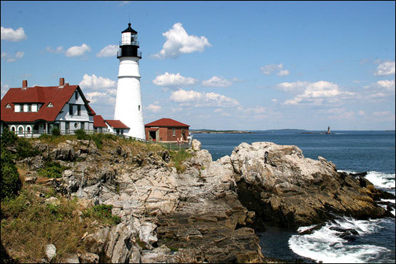 To the south of the city, seeing the Portland Head Light should be part of any traveler's itinerary. Classic in form and nestled in a picturesque setting, the lighthouse was constructed under the orders of George Washington and it is Maine's oldest surviving lighthouse. A fort nearby protected Portland during World War II from German U-boats and has been transformed into an expansive park.