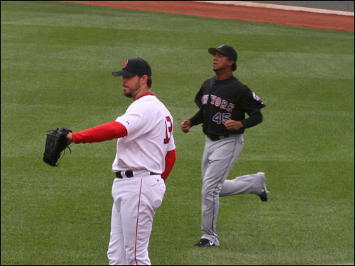 Pedro did his running and made his outfield throws right next to Sox starter Josh Beckett. The two never spoke, or even exchanged glances, before heading to their respective bullpens.