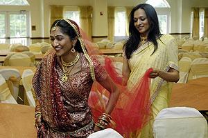 Bride Shveta Sinha and her sister Charita.