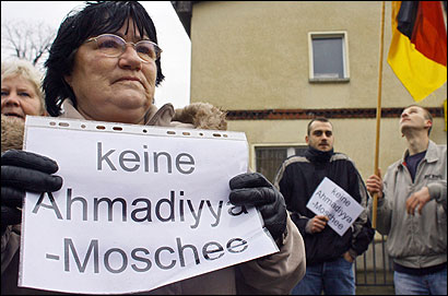 east berlin mosque protest