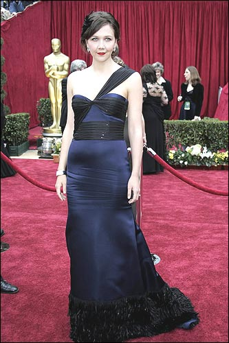 Actress Maggie Gyllenhaal arrives at the 79th Academy Awards in Hollywood, California, 25 February 2007.