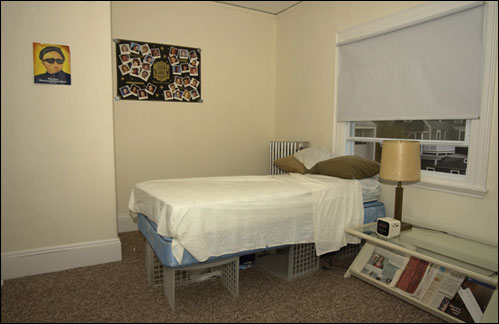 Researchers have found that people tend to be exceedingly accurate in their self assessments. The photo test to determine levels of clutter starts with this neat bedroom. Long seen as an eccentricity or a facet of obsessive-compulsive disorder, severe hoarding is now increasingly viewed and studied as a mental health problem in its own right.