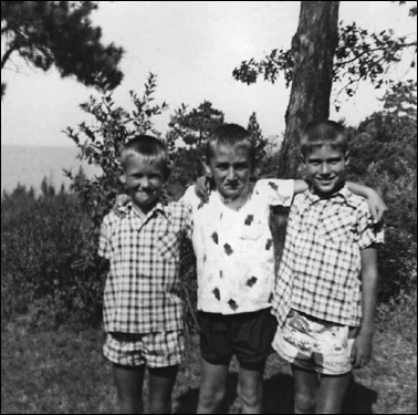 Mitt Romney (right), his boyhood friend Tom McCaffrey (center), and cousin Steve Hayward.