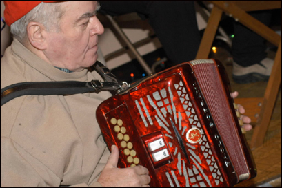Joseph M. Joyce died Sunday after a lifetime of singing and playing the accordion at impromptu sessions, weddings, and concerts throughout the Boston area.