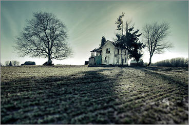 New England is a spooky place. Discover the region's paranormal personalities -- including Hannah, the spirit who dances nude at Cape Cod's Orleans Inn, or the phantom Robert Redford look-alike that sometimes borrows things from The Golden Stage Inn in Proctorsville, Vt. -- with our list of 25 haunted New England Inns.