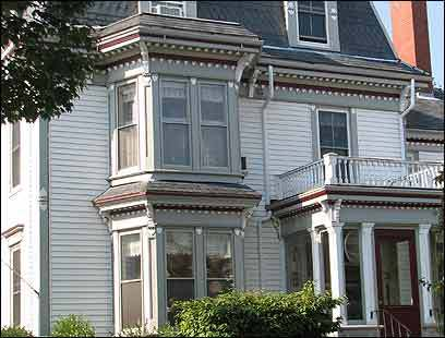 Hartstone Inn includes the main inn, adjacent Manor House, and Hideaway House about a block away.