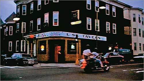 http://cache.boston.com/bonzai-fba/Third_Party_Photo/2007/11/21/1195670030_2205.jpg