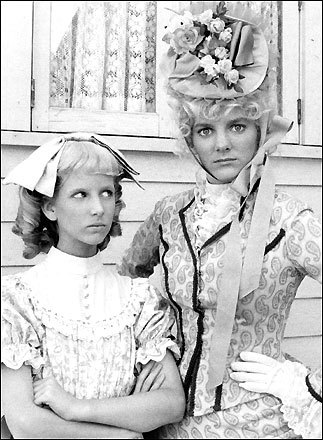 Alison Amgrim (right), with Allison Balson in 'Little House on the Prairie'