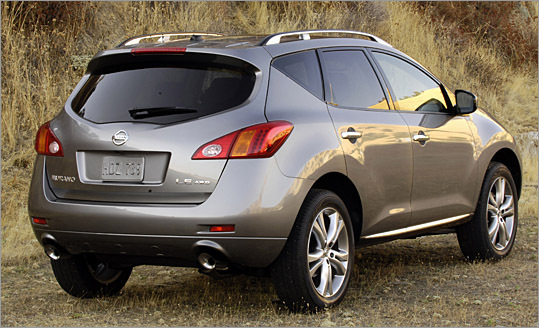 Shoppers seeking a fewer-tears alternative to a midsize SUV are likely to like what they see in the Murano. The 2009 model has the plush ride, tank-like isolation and high-above-the-crowd perch that the sport utility crowd has come to appreciate.